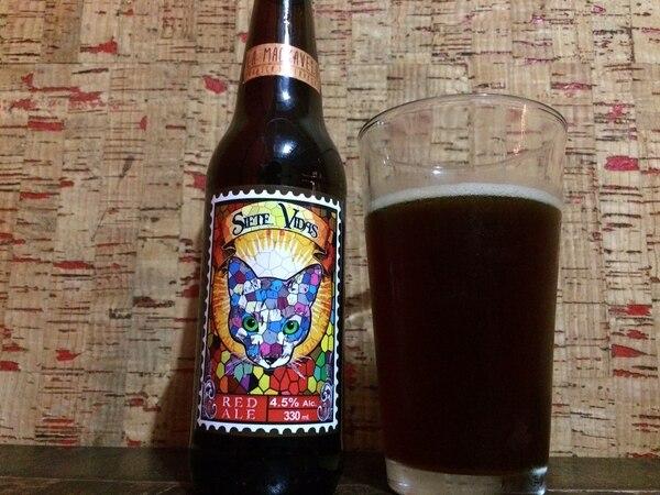 Esta es la bebida Siete vidas, una cerveza tipo Irish red ale.