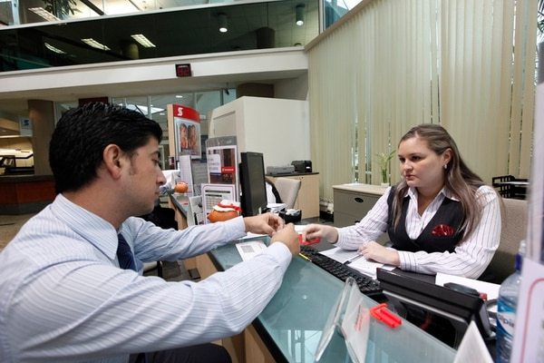 La Tasa Básica Pasiva bajó en el 2013 de 9,2% en enero a niveles cercanos del 6,55% debido a la poca demanda de recursos por parte de las entidades financieras de Costa Rica.