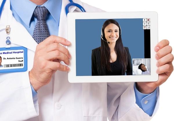 Stratus Video utiliza la tecnología para conectar clientes con intérpretes en más de 175 idiomas. Su plataforma maneja aproximadamente 65.000 llamadas de video al día, las 24 horas, en 30 Call Centers en Estados Unidos.