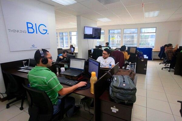 La ampliación de puestos se debe a nuevos clientes, licitaciones ganadas y aumento de proyectos con clientes actuales, según Novacomp. (Foto Rafael Pacheco / Archivo GN)