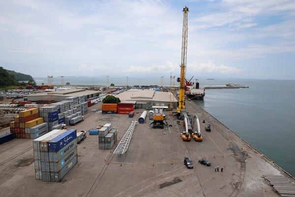 El ferri tiene como finalidad el transporte de entre 60 y 100 furgones por día, tres veces a la semana. La operación estaría a cargo de la Naviera del Odiel.