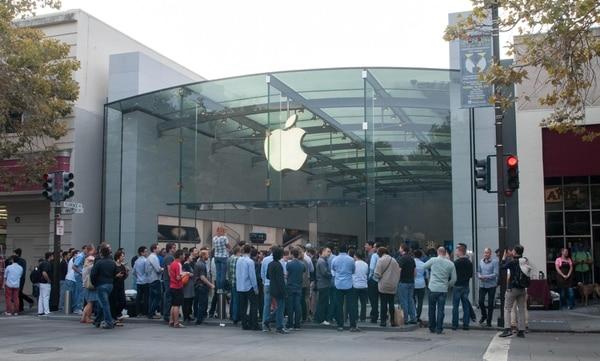 iPhone 6 y iPhone Plus superó los record de ventas de otros lanzamientos de la misma firma.