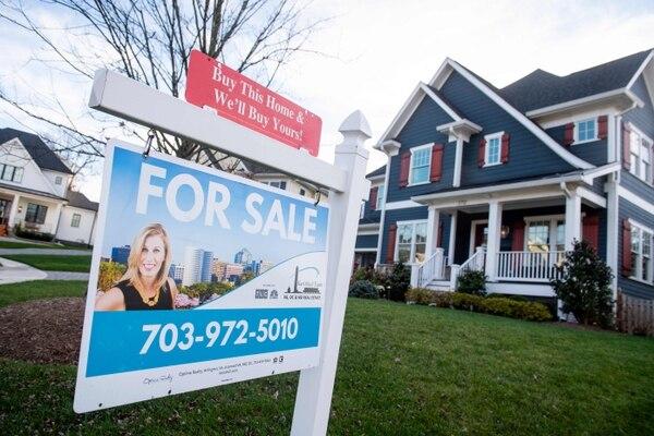 Las ventas de casas nuevas y existentes han aumentado alrededor de un 20% por encima del nivel prepandémico. (Foto AFP / Archivo)