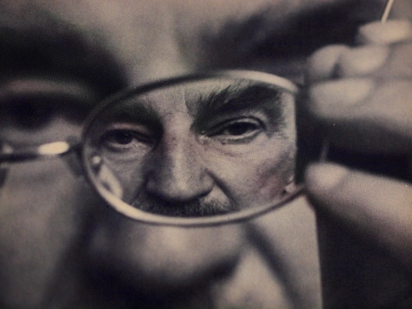 El escritor polaco Slawomir Mrozek (1930-2013) se distinguió por su estilo satírico.