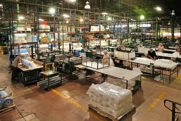 La planta de Yanber en Barrio Corazón de Jesús de San José, ya trabaja 24 horas diarias toda la semana.