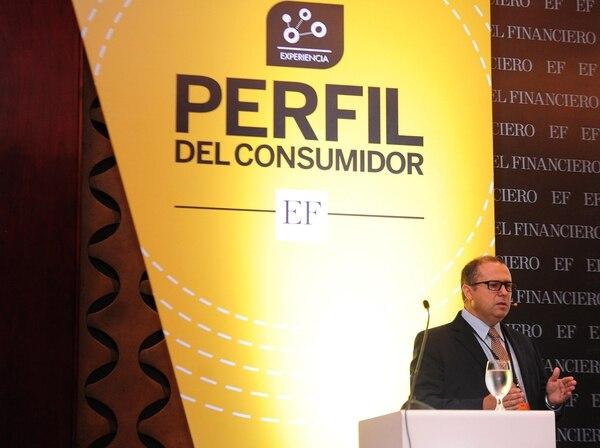 Álvaro Navarro, director de Negocios para Centroamérica de Nielsen, participó en el evento Perfil del Consumidor.