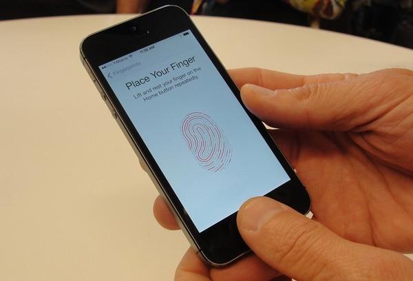 El nuevo iPhone 5S de alta gama tiene una función de reconocimiento digital instalado