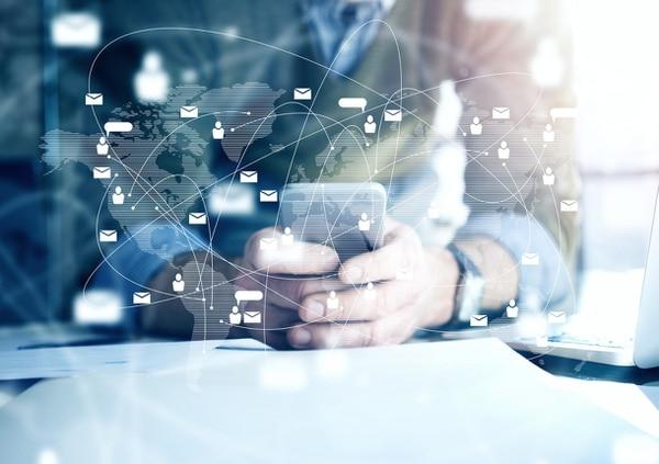 Los especialistas señalan que cada plan de negocios debe incluir un plan de tecnologías de la información y que las empresas deben prepararse a aceptar que la moneda del mañana será la velocidad con que se hagan las cosas.