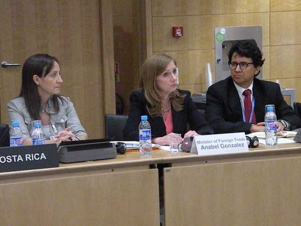 Anabel González estuvo en la presentación de la evalaución sobre Costa Rica.