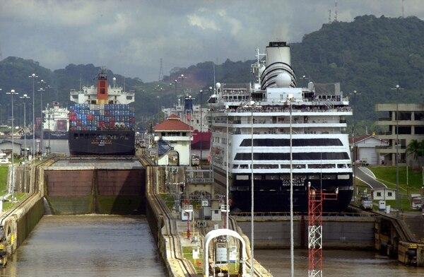 La Autoridad del Canal de Panamá definió seguir con las obras de ampliación de esa ruta interoceánica si el consorcio contratado para la obra decide suspender los trabajos.