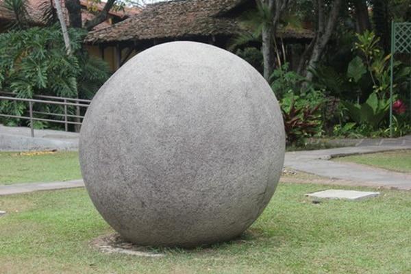 Las esferas de piedra se ubican en el cantón de Osa de nuestro país.