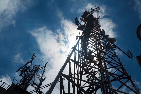 Al ICE se le dio explotación sin tiempo definido de sus frecuencias en 2009, pero la Contraloría pidió en 2012 revisar si las adecuaciones de títulos están a derecho pues las concesiones para telecomunicaciones tienen plazo de 15 años.