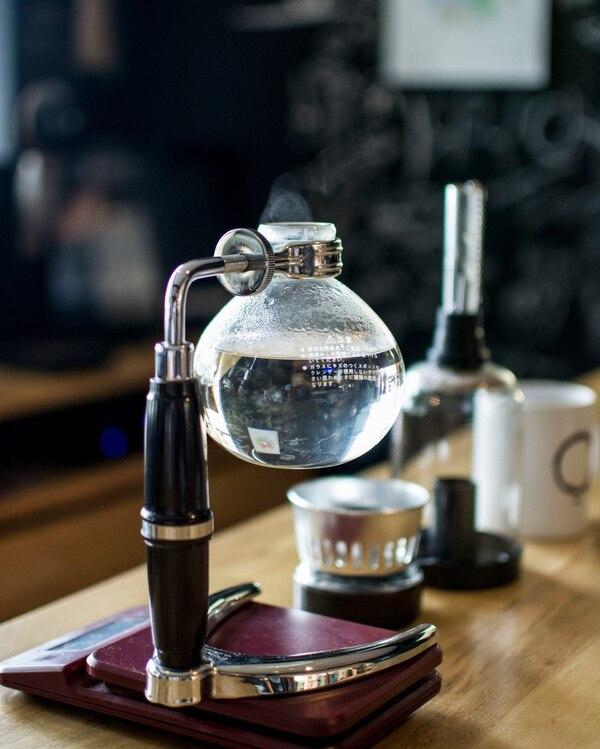 Sifón para preparar café. (Fotos para EF)