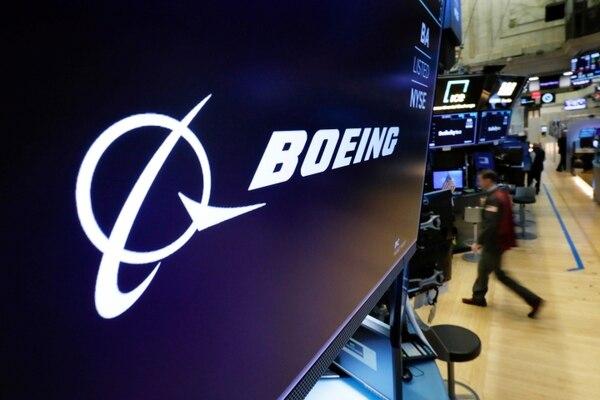 Las acciones de Boeing en la bolsa de Nueva York sufrieron los efectos de la crisis de reputación de la marca, con pérdidas superiores a 5% dos días consecutivos. Foto: AP