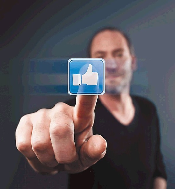 Para evitar roces, algunos profesionales aclaran en su perfil que los comentarios no representan la opinión de la empresa para la que laboran.   JUPITER IMAGES PARA EF