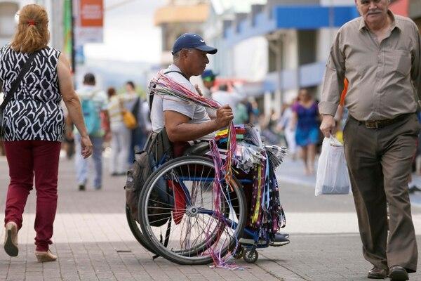 En Costa Rica hay más de un millón de personas que trabajan de manera informal. 1.001.784 trabajadores para ser exactos, de acuerdo con los datos de la última Encuesta Continua de Empleo (ECE) publicada por el Instituto Nacional de Estadística y Censos (INEC). Foto: Albert Marín