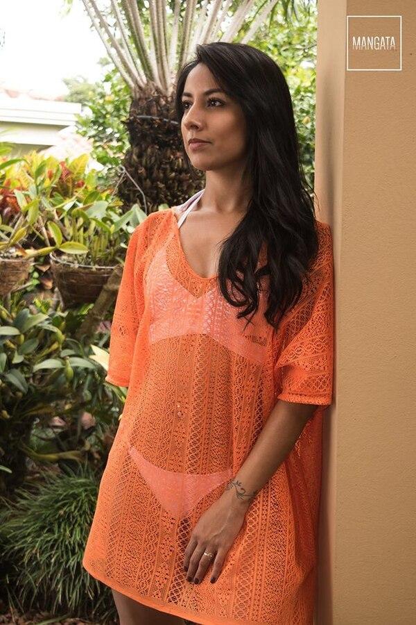 La marca Mangata diseña trajes de baño, salidas de baño, palazzos y ropa de verano.
