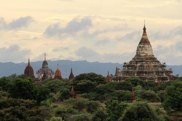 El 26 de enero de 2021 el ejército birmano denuncia irregularidades en las legislativas y no descarta la posibilidad de un golpe de Estado si el gobierno no le permite realizar verificaciones.