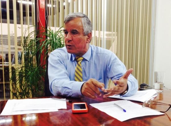 Víctor Morales anunció la aplicación del tope a las pensiones el 5 de agosto del 2014.