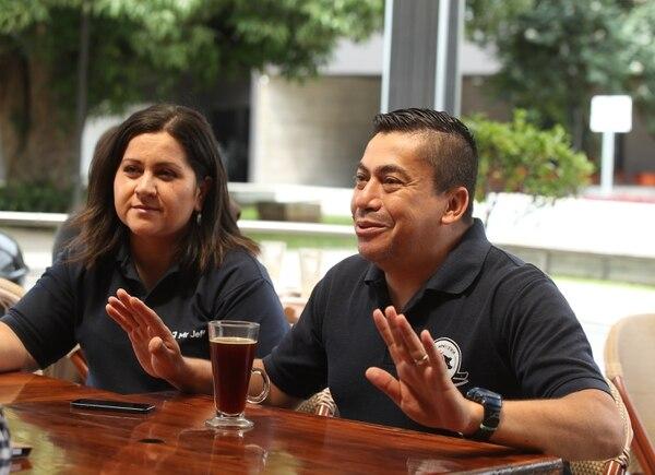 Milena Calderon y Guillermo Núñez sostuvieron que si se pierde en un negocio se aplica lo aprendido en el siguiente. (Foto John Durán)