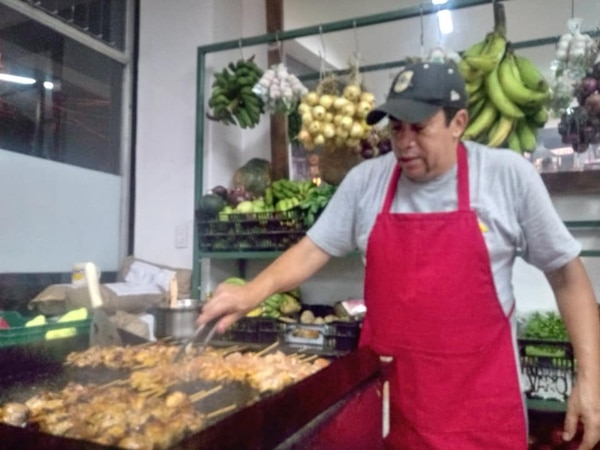 Guillermo Núñez reconoce que lo de él es el negocio de carnicerías y que le encanta la gastronomía, lo que ha sido clave para sus emprendimientos. (Foto cortesía carnicería Tres Ríos)