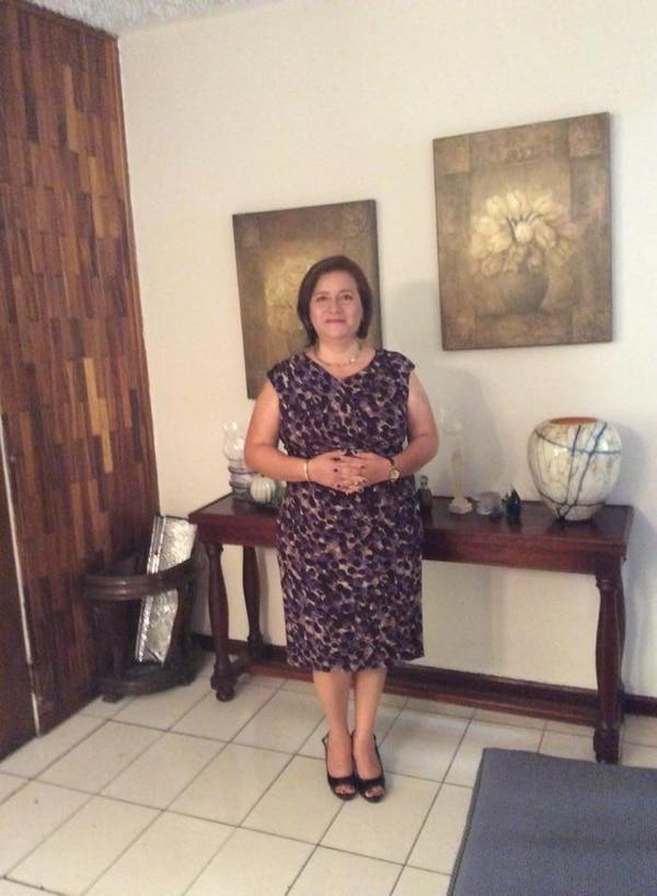 Michelle Taboada tiene 54 años y es ingeniera en sistemas. Nació en Perú, se crió en República Dominicana y desde hace 21 años vive en Costa Rica. Desde muy joven su pasión es la cocina.