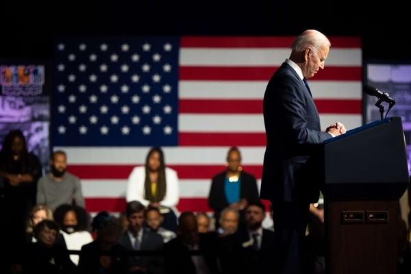 After arriving in Cornwall, southwest England on Wednesday evening, Biden will attend the G7 summit (Germany, Canada, the United States, France, Italy, Japan and the United Kingdom) after a face-to-face meeting with Britain's first minister.  Boris Johnson.  Photo: Brandon Bell/Getty Images/AFP.
