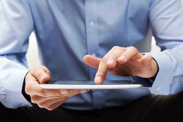 Las nuevas versiones de los dispositivos móviles permiten experiencias cada vez más rápidas de navegación en Internet. Una posibilidad que obliga a los operadores ha desplegar redes con mayor capacidad.   JUPITER IMAGES PARA EF