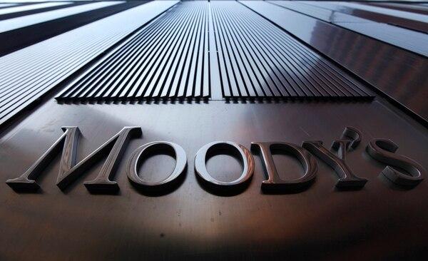 Moody's rebajó la calificación costarricense al pasarla de una economía con el grado de inversión a una de grado especulativo (de Ba1 a Baa3).