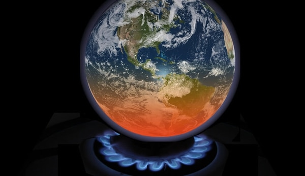 El acuerdo sobre cambio climático adoptado por 195 países en diciembre de 2015 enParís trazó el camino hacia un mundo sostenible mediante cambios drásticos en la economía global.