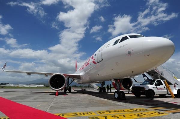 Avianca había anunciado el cese de vuelos internacionales y la continuidad de los trayectos a lo interno de Colombia. Sin embargo, comunicaron posteriormente que el servicio doméstico se paralizó a partir del 25 de marzo. Fotografía de Marvin Caravaca