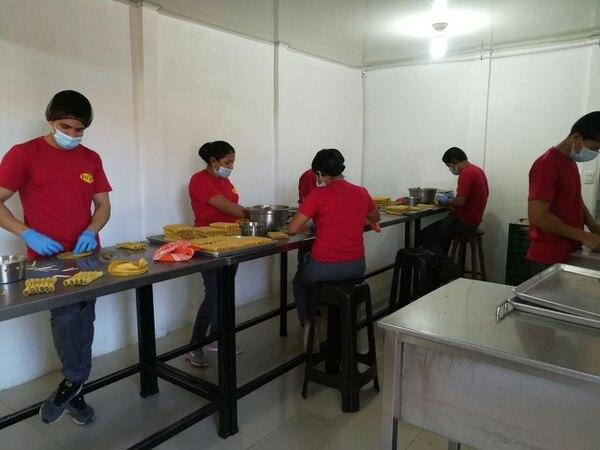 La empresa opera en Carrillos Alto, de Poás (Alajuela) y, contando a sus dueños, trabajan 13 personas. (Foto: Don Taco para EF).