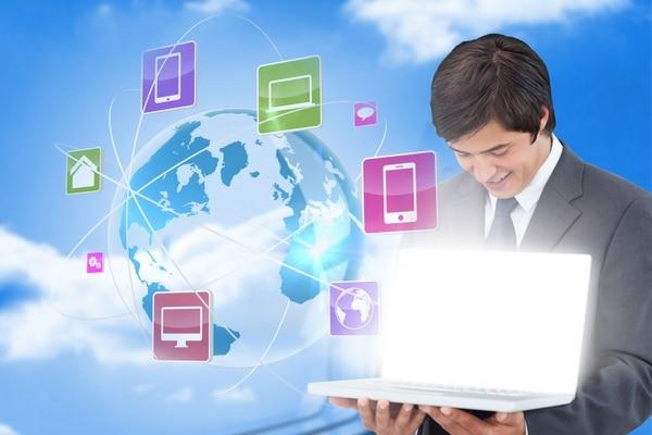 Al establecer su empresa, compre un dominio y empiece a usar el servicio de correo electrónico. Además, desarrolle su propia página web.