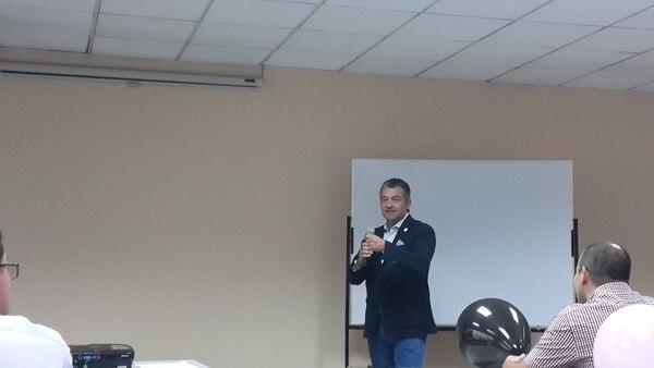 Vicente Bayarri, presidente de Health Tech International, presentó el servicio Llama al Doctor.
