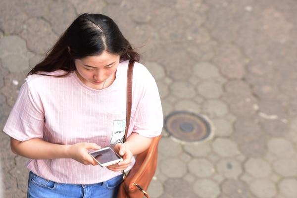 La Sutel, a través de la firma XLETEC, encuestó a 13659 usuarios de los diferentes servicios entre abril y setiembre del 2017. (Foto Julieth Méndez / Archivo)