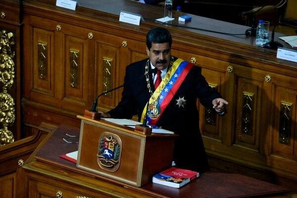 El presidente venezolano, Nicolás Maduro, participó en una ceremonia de juramento de su segundo mandato, en el Congreso de Caracas, el 24 de mayo del 2018. Foto: AFP