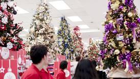 Comerciantes aplican múltiples estrategias para llenar sus anaqueles en la temporada de compras de fin de año