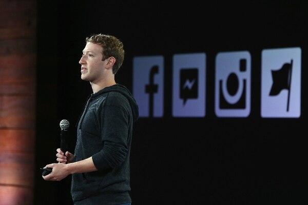 Mark Zuckerberg, fundador y CEO de Facebook, empezó el año anunciando dos cambios en la red: más relevancia a publicaciones de amigos y familiares; y más importancia a las noticias locales. Eso impactará a las marcas, que deberán ser más creativas e invertir más.