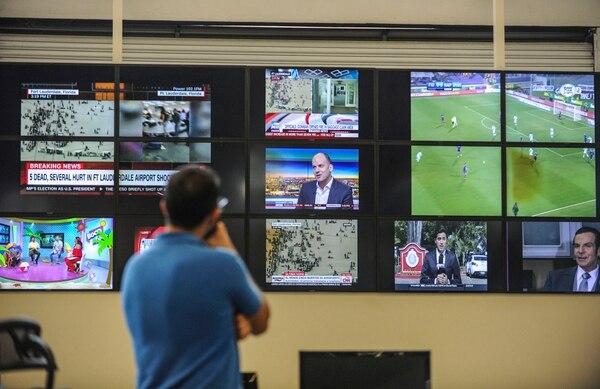 Los usuarios tienen posibilidad de suscribirse a paquetes de hasta 225 canales. (Foto Jorge Castillo)