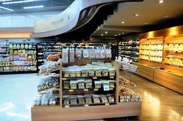 Gessa implementa desde el 2014 una estrategia en la que ofrece un formato de tienda para tres tipos de consumidores. Siendo así, Saretto atiende el segmento socioeconómico alto; Peri, el medio y Súper Compro, el segmento de bajo ingreso. Foto de: Diana Méndez