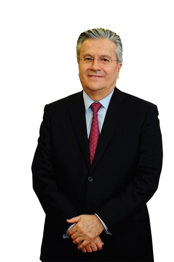 Ernesto Castegnaro, CEO de grupo BAC Credomatic, ejerce su puesto equilibrándose entre la rigidez y la flexibilidad