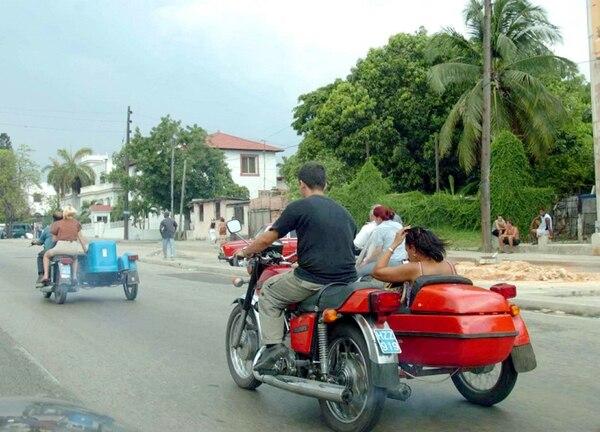 El turismo es una de las principales actividades de Cuba. Los bajos precios que ofrecen en esta industria cubana amenaza a otros países de la región.
