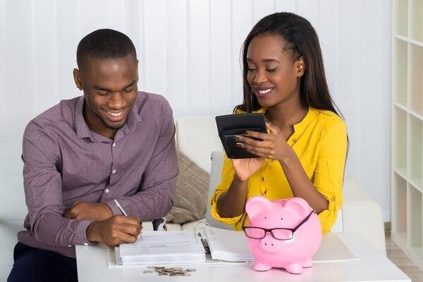 Todas las personas físicas y jurídicas que realicen una actividad que les genere ingresos económicos deben presentar la declaración de renta. (Foto: Shutterstok/ Archivo).