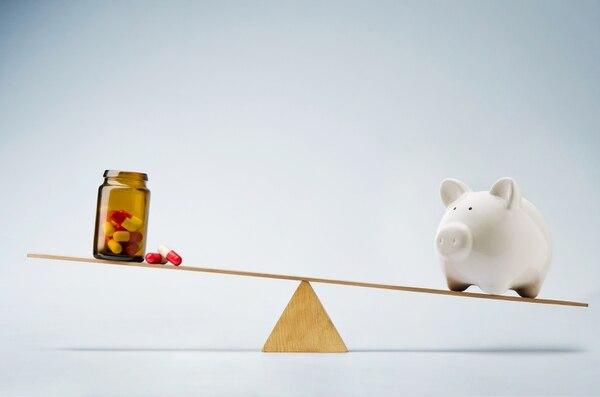 Iniciativas de ley y un decreto impulsado por el Ministerio de Salud podrían generar una reducción importante en los precios de los medicamentos en el mercado costarricense. Fotografía: Shutterstock.