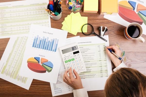 Recuerde realizar los pagos parciales del impuesto sobre la renta. Presupueste esos gastos para evitar inconvenientes.