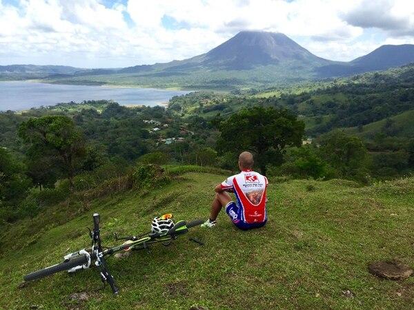 Visualizar el Volcán Arenal y la naturaleza que hay a su alrededor forma parte del atractivo de este tipo de turismo.