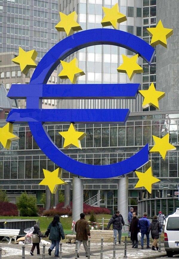 La economía de la eurozona creció apenas un 0,2% en el primer trimestre del año, según cifras oficiales.