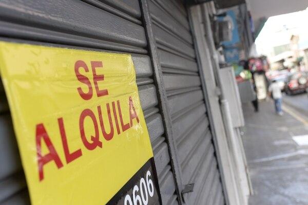 Los locales urbanos, en zonas de alto tráfico peatonal, están enfrentando la mayor disminución en la ocupación. Foto: Jorge Navarro