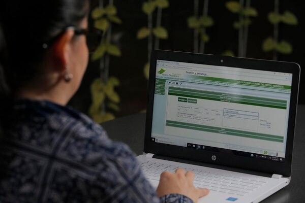 Los cambios deben ser aplicados en su sistema de facturación. (Foto Mayela López / Archivo)