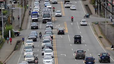 Gobierno extiende restricción vehicular a las 9:00 p.m. y alternancia de placas en fines de semana hasta el 15 de octubre